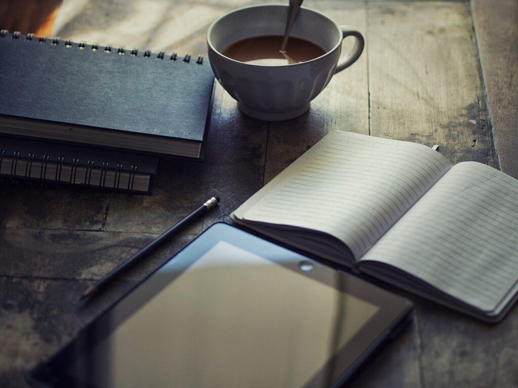 Stap in je gelukzalige zelf ~ Schrijf je vrij en blij!